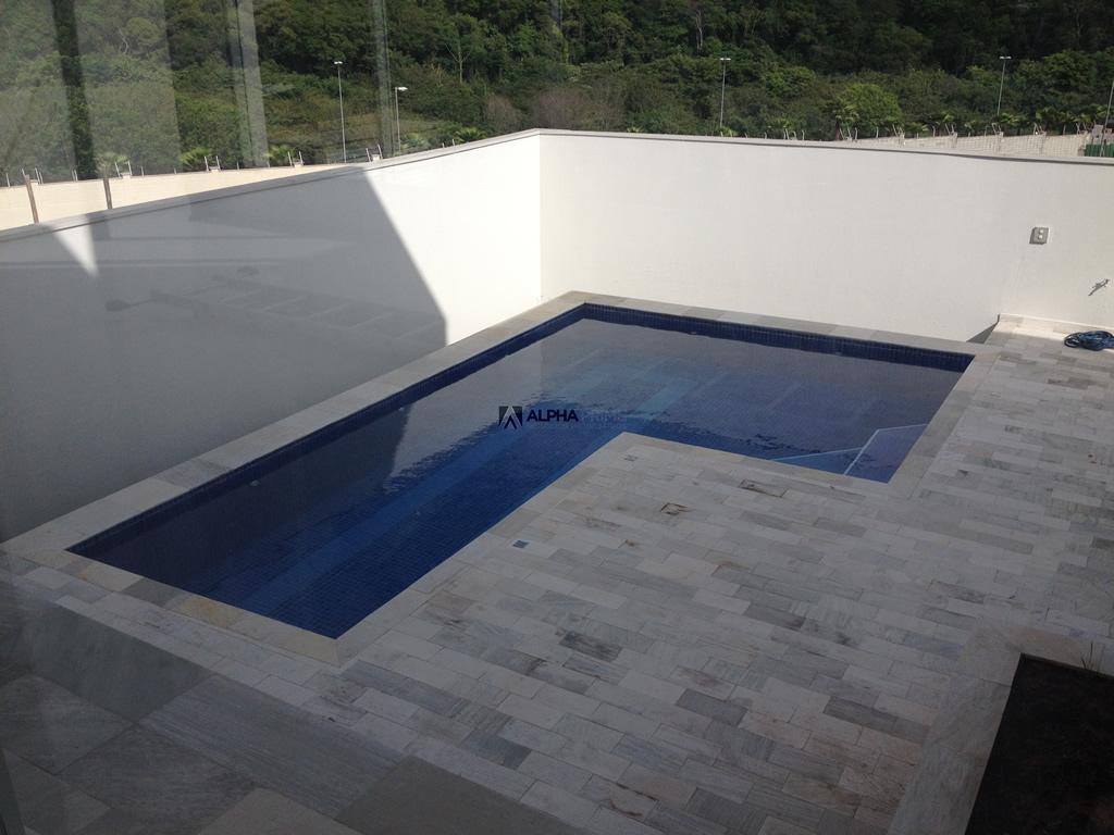 Alpha prime apartamentos casas e outros im veis em for Piscina 7500 litros
